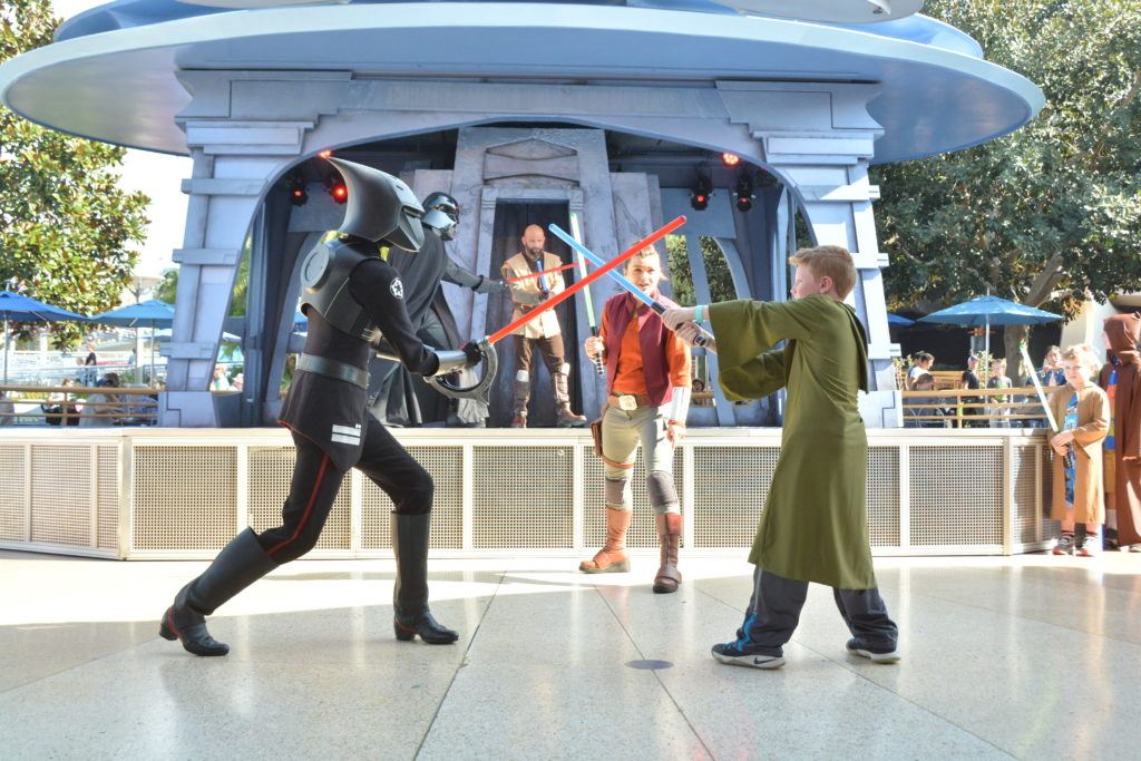 PhotoPass_Visiting_Disneyland_Park_397568884726